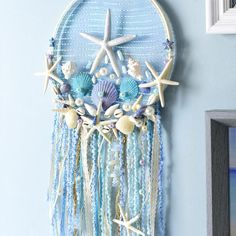 Make waves with this mermaid-themed dreamcatcher featuring seashells, lace, and glitter! Diy Mermaid Decorations, Mermaid Crafts, Mermaid Diy, Seashell Crafts, Dream Catcher Decor, Dream Catcher White, Diy Craft Projects, Diy And Crafts, Arts And Crafts