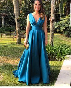 """565 Gostos, 4 Comentários - Vestidos (@vestidosra) no Instagram: """"#vestido #vestidos #vestidodefesta #vestidosdefesta #vestidofesta #vestidoformal #gown…"""""""