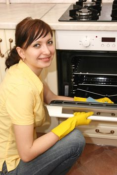 Keep your oven clean.   STEP 6: LOOSEN UP  To loosen baked on food particles from your oven, put a bowl of boiling water into the oven for 15 to 20 minutes with the door closed, which allows the steam to loosen up dried messes, making for much easier clean up.
