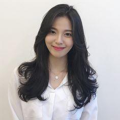 Side Bangs Hairstyles, Permed Hairstyles, Korean Hairstyles, Hair Inspo, Hair Inspiration, Hair Chart, Ulzzang Hair, Aesthetic Hair, Balayage Hair