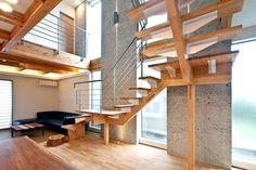 木と石がハーモニーを奏でる住宅   重量木骨の家