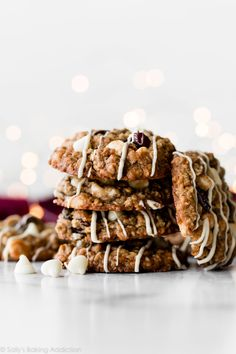 These white chocolate chip cherry oatmeal cookies are made with brown sugar and tart dried cherries. They're just as irresistible as they are flavorful! Chocolate Chip Shortbread Cookies, Toffee Cookies, Raisin Cookies, Chocolate Chip Oatmeal, White Chocolate Chips, Oatmeal Cookies, Quick Cookies, Frozen Cookies, Yummy Cookies