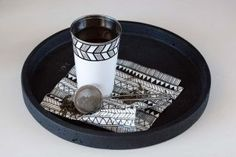 Zakkia Concrete Round Tray_Black_Style1