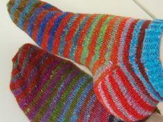 Lankaterapiaa: Silkkisukat - Noro Silk Garden 4ply stripes