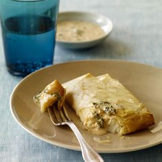 Spicy Halibut Baked in Phyllo: Learn how to use phyllo dough to create fast and healthy recipes. Fish Dishes, Seafood Dishes, Fish And Seafood, Main Dishes, Fun Cooking, Cooking Recipes, Healthy Recipes, Skinny Recipes, Halibut Baked