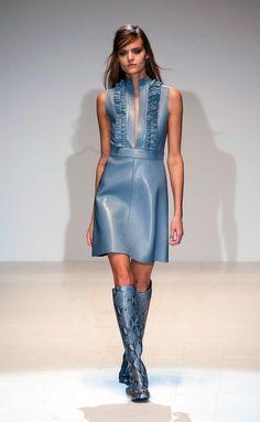 Gucci, No Fausto Puglisi: Highlights From Day 1 of Milan Fashion Week - Fashionista London Fashion Weeks, Fashion Week Paris, Milano Fashion Week, Gucci Fashion, 1960s Fashion, Runway Fashion, High Fashion, Fashion Show, Milan Fashion