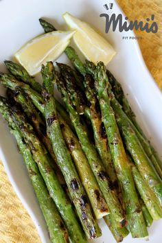grilled asparagus - my favorite! Healthy Dessert Recipes, Veggie Recipes, Scd Recipes, Yummy Recipes, Dinner Recipes, Desserts, My Favorite Food, Favorite Recipes, Grilled Asparagus