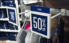 Sign Square: Bar & Rack Mount – Fixtures Close Up Pop Design, Stand Design, Booth Design, Street Marketing, Guerrilla Marketing, Price Tag Design, Sale Signage, Retail Merchandising, Merchandising Ideas
