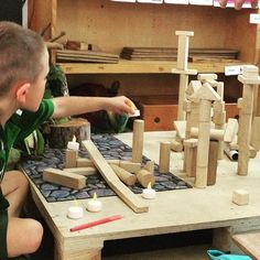 There are 10 essential investigation and discovery areas a play based classroom needs. See how I set them up and find room for them in my classroom layout. Eyfs Classroom, Classroom Layout, Classroom Organisation, Classroom Setting, Play Based Learning, Learning Through Play, Early Learning, Math Tables, Reggio Inspired Classrooms