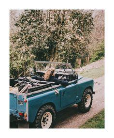 Land Rover (Series & Defenders) and more stuff I like. Retro Cars, Vintage Cars, Vintage Jeep, My Dream Car, Dream Cars, Subaru, Beach Cars, Beach Fun, Landrover