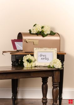 Mailbox Centerpiece project. Would be cute for Christmas or at a wedding to hold cards.