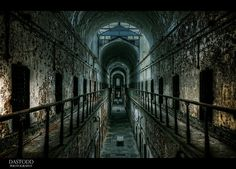 Eastern State Penitentiary in Philadelphia.even a place where pain disfunction resided, beauty can be found. Old Buildings, Abandoned Buildings, Abandoned Places, Abandoned Prisons, Abandoned Property, Old Houses, Haunted Houses, Eastern State Penitentiary, Abandoned Hospital