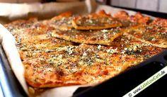 Lebe Low Carb - Low Carb und Pizza? Probiere unser glutenfreies und kohlenhydratarmes Low Carb Pizzabrot mit Knoblauch. Mandelmehl, Frischkäse, Flohsamenschalen, ...