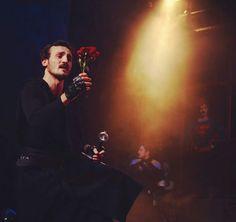 Seni sahnede izlemek ne büyük zevk olurdu...Yaptığını yapmaya devam et güzel adam,sevgiler...💙