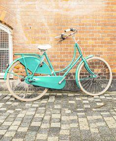 Op 2 oktober 2014 hebben we weer een modeshow op de fiets. Dit keer is het vertrekpunt Libelle Beach Café in Haarlem