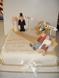 Golden Anniversary cake - For all your cake decorating supplies, please visit craftcompany.co.uk