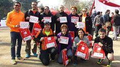 Parte de nuestros socios que participarán mañana en la Half Marathon de Scotiabank ya retiraron su kits de competición. Hasta las 18:00 en los estacionamientos del Cerro San Cristóbal por Pedro de Valdivia será la entrega del equipamiento.