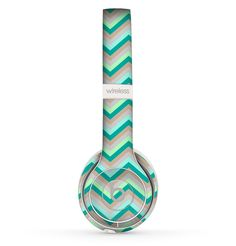 The Vintage Subtle Greens Chevron Pattern Skin Set for the Beats by Dre Solo 2 Wireless Headphones