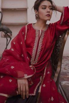 New Embroidery Ideas Clothes Suits Ideas Pakistani Fashion Casual, Pakistani Wedding Outfits, Indian Fashion Dresses, Dress Indian Style, Pakistani Dress Design, Pakistani Dresses, Indian Outfits, Wedding Dresses, Indian Attire