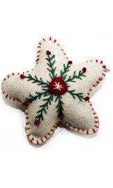 Christmas Felt Appliqued Ornaments - Little Hand Crafts Felt Christmas Decorations, Christmas Ornament Crafts, Christmas Sewing, Felt Crafts, Handmade Christmas, Holiday Crafts, Fabric Crafts, Hand Crafts, Star Ornament