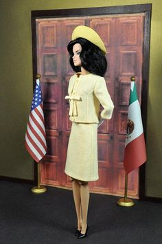 109-1. Outfit inspired by Jackie O. yellow linen suit she wore in Mexico City by Natalia Sheppard, via Flickr