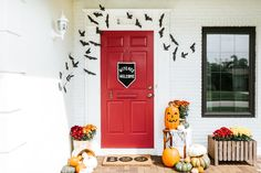 Trick-or-Greet: How to Style the Best Looking Halloween Door on the Block