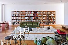 Michael Maharam and his wife Sabine Steinmair are proud owners of this beautiful, airy Manhattan apartment. Their passion for vintage design...