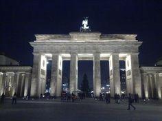 Berlin Dec 2010 - brandenberg gate (2)
