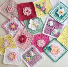 Living at home : 네이버 블로그 Diy Crochet Granny Square, Crochet Flower Squares, Crochet Diy, Crochet Square Patterns, Manta Crochet, Crochet Blocks, Crochet Blanket Patterns, Crochet Motif, Crochet Doilies