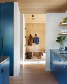 When a New York–based artist couple decided they needed an exurban getaway, they opted out of the usual suspects. No Hamptons, Hudson Valley, or Berkshires. Instead, they cast their net some 3,000 miles away and landed in Mill Valley, California, where they purchased a diminutive cottage. #interiordesign #architecture #getaways Square Side Table, Round Side Table, Cedar Siding, Kitchen Stools, Design Within Reach, Architect Design, Cottage, Interior Design, Arquitetura