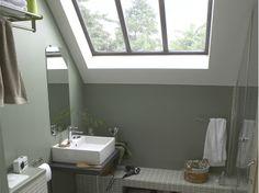 Une salle de bains sous les toits   Leroy Merlin