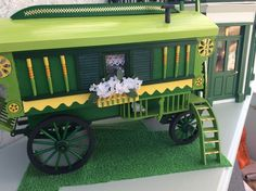 Tricia's caravan | McQueenie Miniatures
