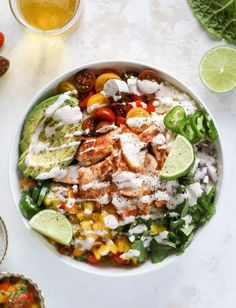 Spicy Fish Taco Bowls With Mango Pico Howsweeteats Com - These Fish Taco Bowls Are An Amazing Weeknight Meal Idea Napa Cabbage For The Base A Homemade Chipotle Crema Avocado Mango Pico De Gallo Spicy Broiled White Fish And Lots Of Lime Major Flavor Ex Seafood Recipes, Mexican Food Recipes, Dinner Recipes, Cooking Recipes, Healthy Recipes, White Fish Recipes, Cooking Rice, Tilapia Recipes, Cooking Pork