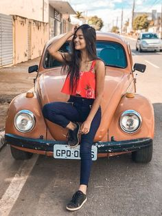 30 Ideas for photography girl portrait style Best Photo Poses, Girl Photo Poses, Girl Poses, Picture Poses, Poses For Girls, Tumblr Photography, Girl Photography Poses, Photography Tricks, Photography Awards