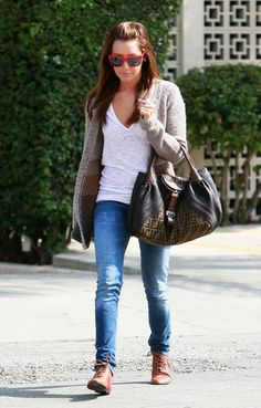 a1889768d41b Ashley Tisdale Outfits   This is my favorite outfit EVER it s so simple,  but I