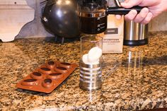 How to make vanilla flavored ice cubes - perfect for coffee! Flavored Ice Cubes, Portable Fireplace, Flavor Ice, Pregnancy Health, Vanilla Flavoring, Food For Thought, Meal Planning, Health And Beauty, Beverages