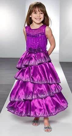 Give your little star the ultimate dress up fantasy with this #TrulyFashion by Heidi Klum Grand Finale Gown!