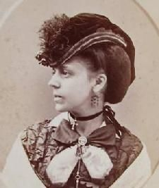 civil war ladies hats | war era click here or on the photo to view charming civil war era hats ...