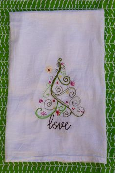 Sketchy Christmas Tea Towel Tutorial @traintocrazy