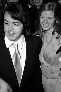 ♥♥J. Paul McCartney♥♥  ♥♥Linda Eastman-McCartney♥♥  beaming on their wedding day