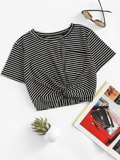 Shop Striped Twist Front Crop Tee at ROMWE, discover more fashion styles online. Teen Fashion Outfits, Casual Outfits, Cute Outfits, Tee Courts, Jugend Mode Outfits, Vetement Fashion, Striped Fabrics, T Shirts For Women, Clothes For Women