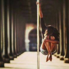 Pole workout. Fit & Fab. Eat clean, dance dirty with StripTeas™ by STC. #fitspo #stripteas #satoritea http://satoriteausa.com/pages/strip-teas-by-satori-tea-co
