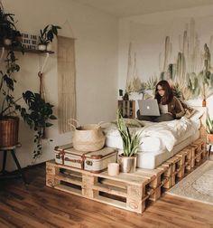 J'aime cela! J'aimerais créer un lit de bricolage avec des palettes! X #aimerais #bricolage #creer #palettes Salon Scandinave