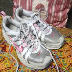 Nike. Size 5 Beautiful condition thought would fit my daughter. Size 5 Nike Shoes