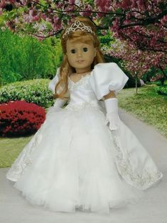 American Girl Doll Maryellen as Enchanted Princess Giselle wedding dress gown. American Girl Doll Maryellen as Enchanted Princess Giselle wedding dress gown. American Girl Outfits, American Girl Crafts, American Doll Clothes, Ag Doll Clothes, American Girl Dolls, Ag Clothing, Poupées Our Generation, American Girl Julie, Bride Dolls