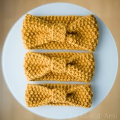 Free knitting pattern: Simple Seed Stitch Headband with tutorial by All About Ami