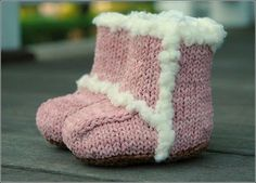 Ugg booties knitting pattern- free Pattern here--- http://www.ravelry.com/patterns/library/knit-suede-baby-booties