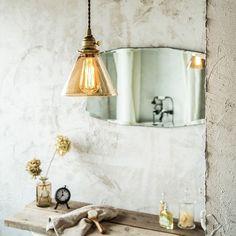 塗り壁は、可愛らしい空間にも、かっこいい空間にも、モダンな空間にも…家具やその他の素材や色によりどんな空間にも馴染み、味を出してくれる優れた素材。消臭効果があるものはとても人気でその効果は抜群。 Interior Styling, Interior Design, Interior Lighting, Room Wallpaper, Fashion Room, Textured Walls, My Room, Interior Inspiration, Home Kitchens