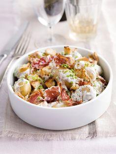Aardappelsalade met zure room en pancetta