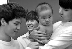 ❝ Jungkook deseaba todo menos ser un bebé, Jimin y Yoongi sabían much… #fanfic Fanfic #amreading #books #wattpad